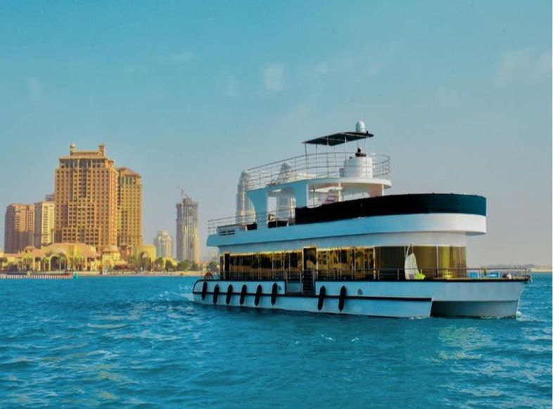 3 Hours Iftar or Suhoor Private Houseboat Cruise