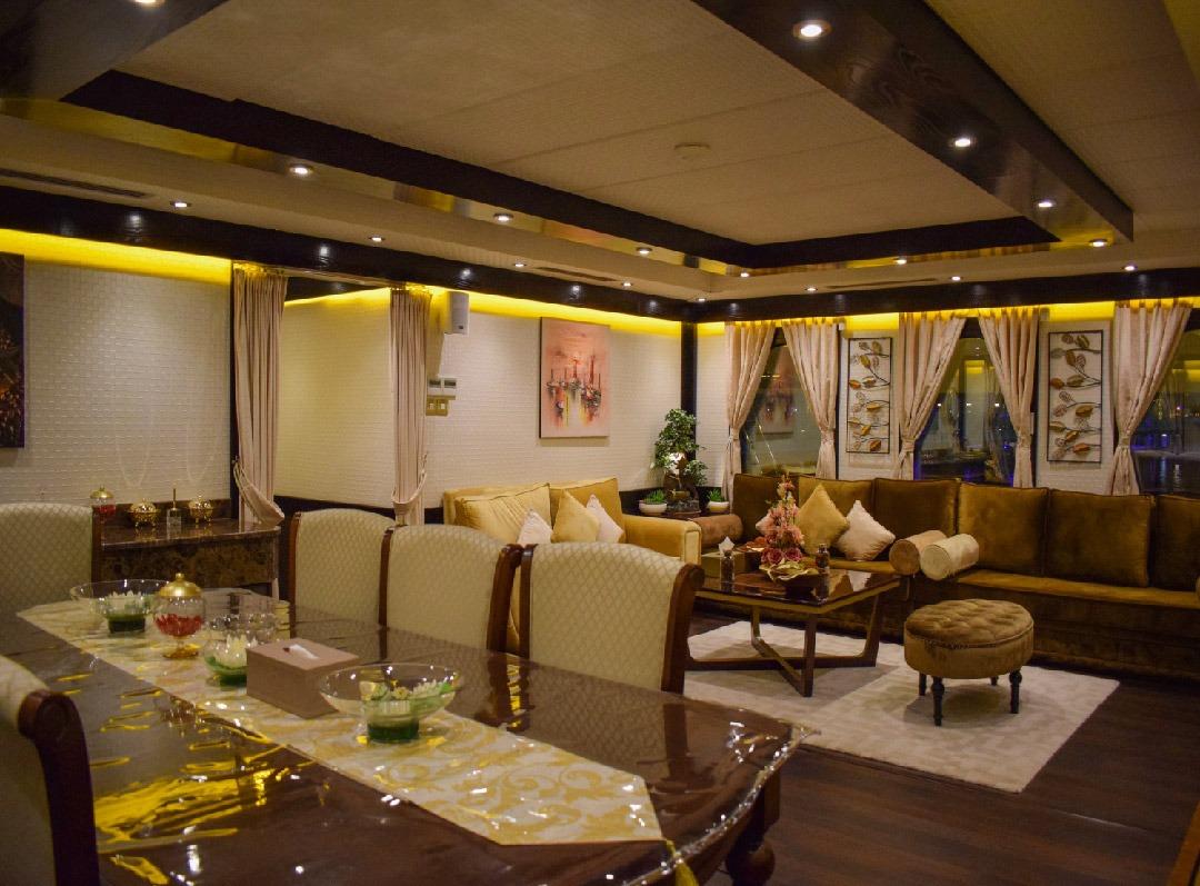 Luxury Houseboat Cruise (Up to 40 people)